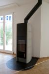 Wohnzimmer mit Cheminee, freistehend